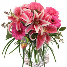 immagine Bunch of pink flowers with lilies and roses