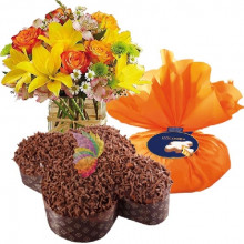 immagine Mixed orange flowers bouquet and Chocolate Colomba